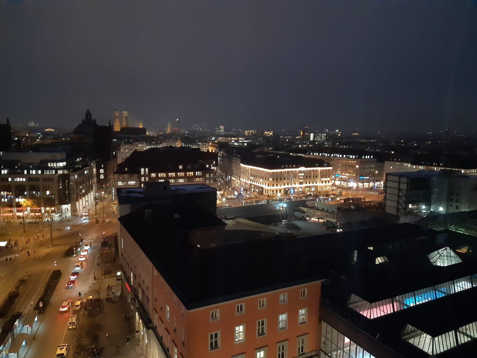 111_Nacht_Bild_über_München